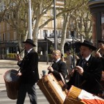 Rassemblement des tambourinaires a Aix en Provence 06.04.2014 (2)